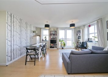 Thumbnail 2 bedroom flat for sale in Queensbridge Road, Hackney