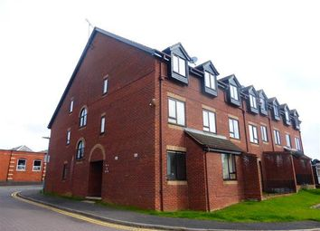 Thumbnail 1 bed flat to rent in Rectory Road, Rushden