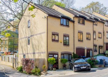 Thumbnail 4 bed town house for sale in Southholme Close, London