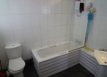 Thumbnail 2 bed flat to rent in Peveril Street, Nottingham