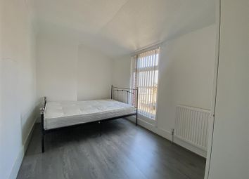 Thumbnail Room to rent in Dumfries Street, Luton