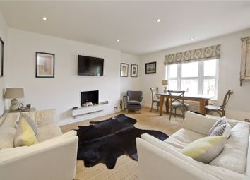 Thumbnail 1 bed flat for sale in St James's Gardens, London