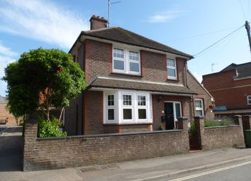 Thumbnail 1 bed flat to rent in Denne Road, Horsham