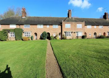 Thumbnail 1 bed flat to rent in Hill Top, Hampstead Garden Suburb