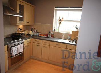 Thumbnail 2 bed property to rent in Crowder Close, London