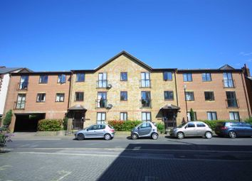 Thumbnail 2 bedroom flat to rent in Oakley House, Court Road, Banister Park, Southampton
