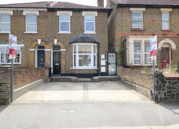 Thumbnail 2 bedroom flat to rent in Totteridge Road, Enfield