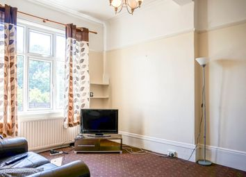 Thumbnail 3 bed flat to rent in Ash Road, Leeds
