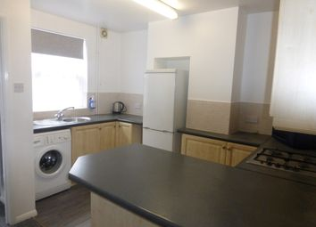 Thumbnail 2 bedroom maisonette to rent in High Street South, Dunstable