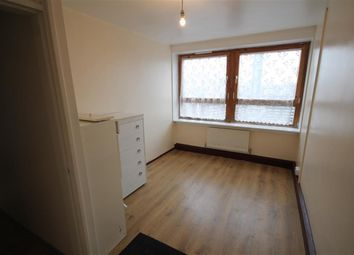 Thumbnail 2 bedroom flat to rent in Oxestalls Road, London