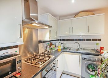 Thumbnail 1 bed flat to rent in Gainsford Road, Southampton