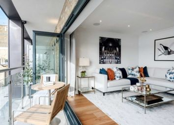 Thumbnail 3 bed flat to rent in Rainville Road, London