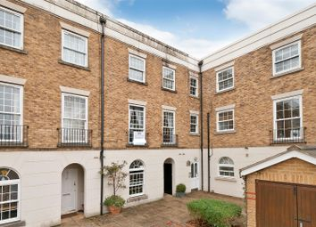 3 bed town house to rent in Tarragon Road, Maidstone ME16
