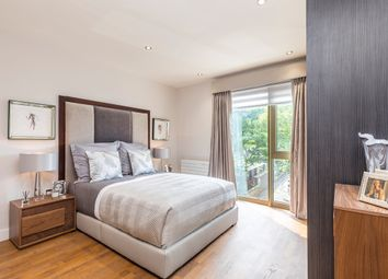 Thumbnail 2 bedroom flat for sale in Lawn Road, London