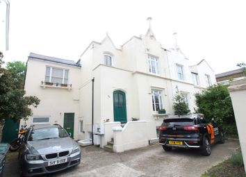 Thumbnail 2 bed flat for sale in Darnley Road, Gravesend, Kent
