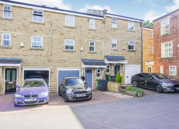 Thumbnail 4 bed town house for sale in Claremont, Pudsey