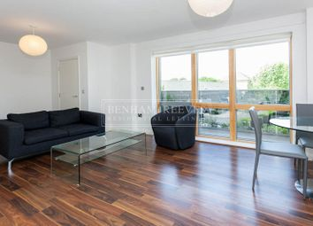 Thumbnail 1 bed flat to rent in Hansel Road, Hampstead