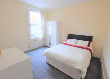 Thumbnail 4 bed flat to rent in Amen Corner, Tooting