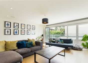 Thumbnail 4 bed town house to rent in Gayford Road, London