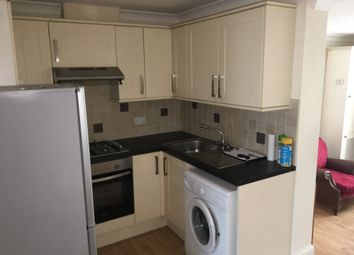 2 bed flat to rent in Spurway Parade, Woodford Avenue, Ilford IG2
