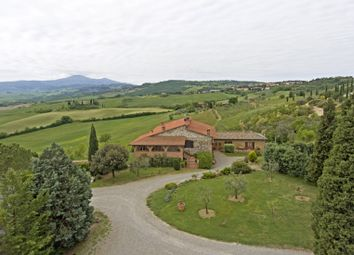 Thumbnail 7 bed farmhouse for sale in San Quirico D'orcia, San Quirico D'orcia, Siena, Tuscany, Italy