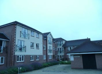 Thumbnail 2 bed flat to rent in Botley Road, Park Gate, Southampton