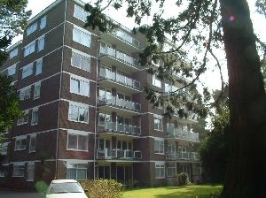 Thumbnail 2 bed flat to rent in Wilderton Road, Branksome Park, Poole