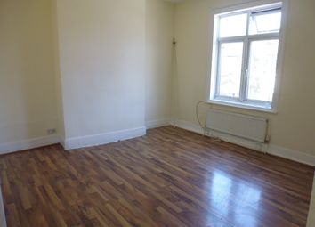 Thumbnail 3 bed flat to rent in Lyham Road, Brixton, London