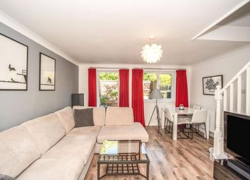 3 bed property to rent in Farrow Lane, London SE14