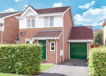 Wesley Close, Aylesbury HP20. 3 bed link-detached house