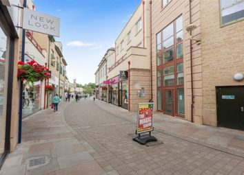 Thumbnail Flat for sale in Marriotts Walk, Witney, Oxfordshire