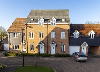 4 bed town house for sale in Pembridge Gardens, Stevenage SG2