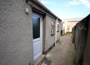 Thumbnail 1 bed flat to rent in Corporation Road, Grimsby