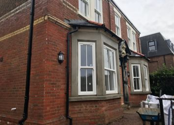Thumbnail 1 bed flat to rent in London Road, High Wycombe