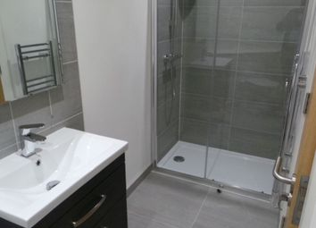 Thumbnail 1 bed flat to rent in High Street, Banstead