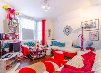 1 bed flat to rent in Plashet Road, Plaistow E13