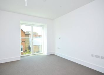 Thumbnail 2 bed flat to rent in St Lukes Avenue, Clapham High Street