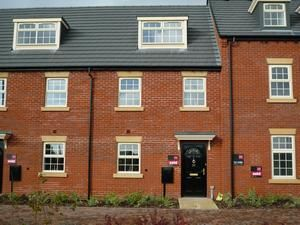 3 bed town house to rent in Shaftesbury Crescent, Derby DE23