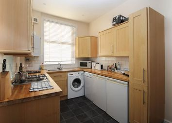 2 bed maisonette to rent in The Parade, Claygate, Esher KT10