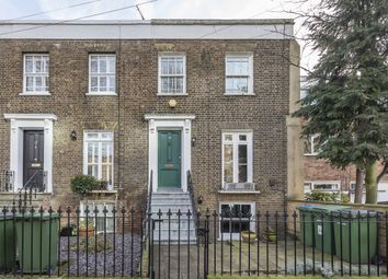 3 bed flat to rent in Catherine Grove, London SE10
