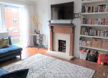 2 bed flat for sale in The Grange, London N2