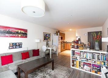 Thumbnail 2 bedroom flat to rent in Bridges Court Road, London
