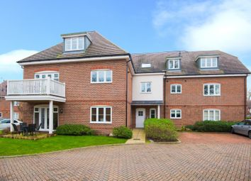 Thumbnail 2 bed flat to rent in Upper Meadow, Hedgerley Lane, Gerrards Cross, Buckinghamshire