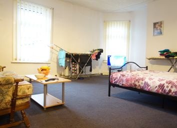 Thumbnail 2 bed flat to rent in Bridge Road, Grays