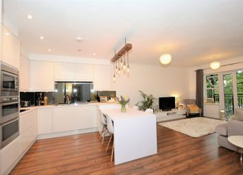 2 bed flat for sale in Post Office Lane, Beaconsfield HP9