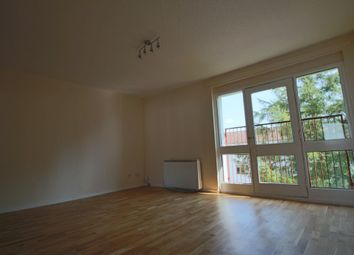 2 bed flat to rent in Kildonan Court, Newmains, Wishaw, North Lanarkshire ML2