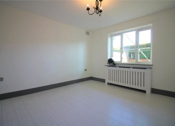2 bed maisonette to rent in Beechwood Gardens, Slough, Berkshire SL1