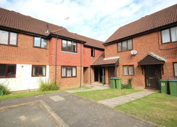 Thumbnail 2 bedroom flat to rent in Fishers Court, Horsham