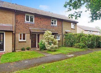 Thumbnail 2 bed property to rent in Kingslea, Horsham