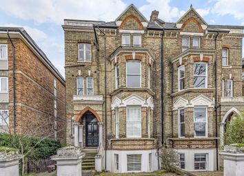 2 bed flat to rent in Maple Road, Surbiton KT6